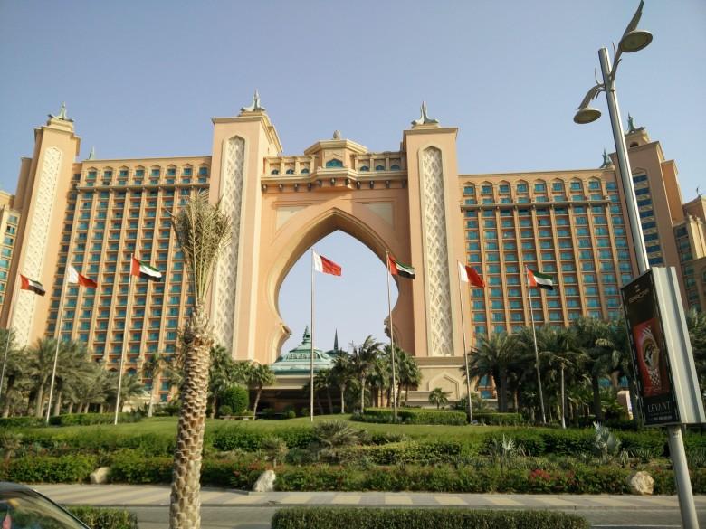 Gallus Lad - Travel - Dubai1